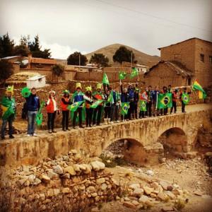 Grupo de universitários em Collana, nos andes bolivianos (foto: acervo pessoal Victor Bejota)
