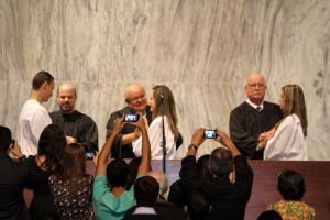 Durante o culto, universitários que participaram das ações sociais se batizaram (foto: Murilo Bernardo)