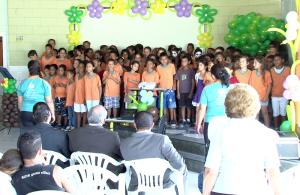 O coral de crianças do núcleo também participou da programação