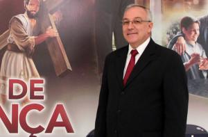 Pastor Ismael Forti assume os departamentos de Escola Sabatina e Família