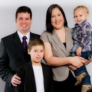 Pastor Lelis e família