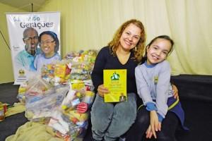 Estudante-de-sete-anos-usa-meios-criativos-para-arrecadar-alimentos