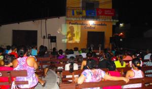 Evangelismo-via-satélite-e-visto-em-praça-publica-no-Ceara