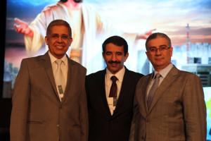 Pr. Emmanuel Guimarães (e), Pr. Domingos Sousa (c),  e Dr. Elnio Freitas (d) continuam na liderança da Igreja Adventista no Estado de São Paulo