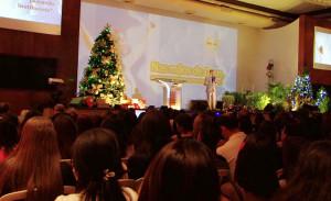 Festa de cerimônia contou com a presença de funcionários de todos os colégios.
