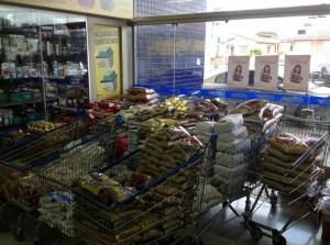 Jovens-Adventistas-de-Curitiba-arrecadam-quase-4-toneladas-de-alimentos