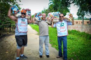 Voluntarios-arrecadam-153-toneladas-de-alimentos-para-Mutirao-de-Natal