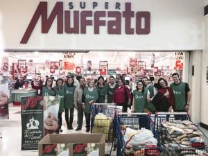 Voluntarios-arrecadam-507-Kg-de-alimentos-para-o-Mutirao-de-Natal