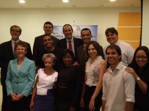 Equipe do Ministério Pessoal com palestrantes do evento