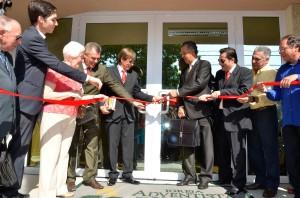 Momento do ato inaugural com a aquipe administrativa da igreja