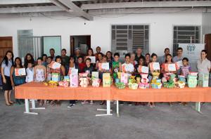 Turma dos cursos de informática e artesanato receberam seus certificados
