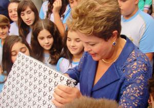 Presidente-Dilma-Rousseff-recebe alunos-da-Educacao-Adventista-no-RS1