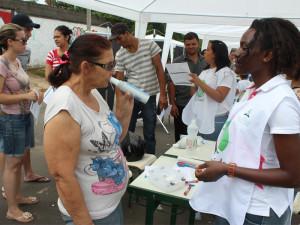 Cerca de 40 voluntários estiveram envolvidos na feira de saúde em Hortolândia