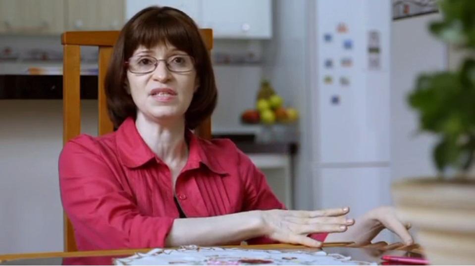 Professora durante entrevista para o documentário (foto: Kawai filmes)